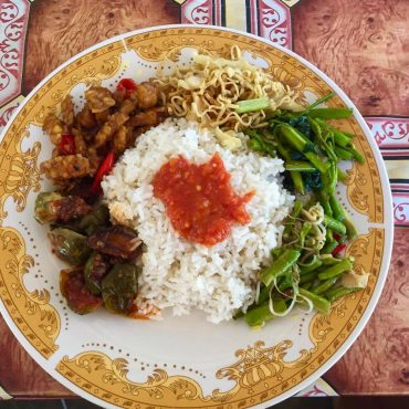 tradiční povoz a jídlo LOmbok (2)